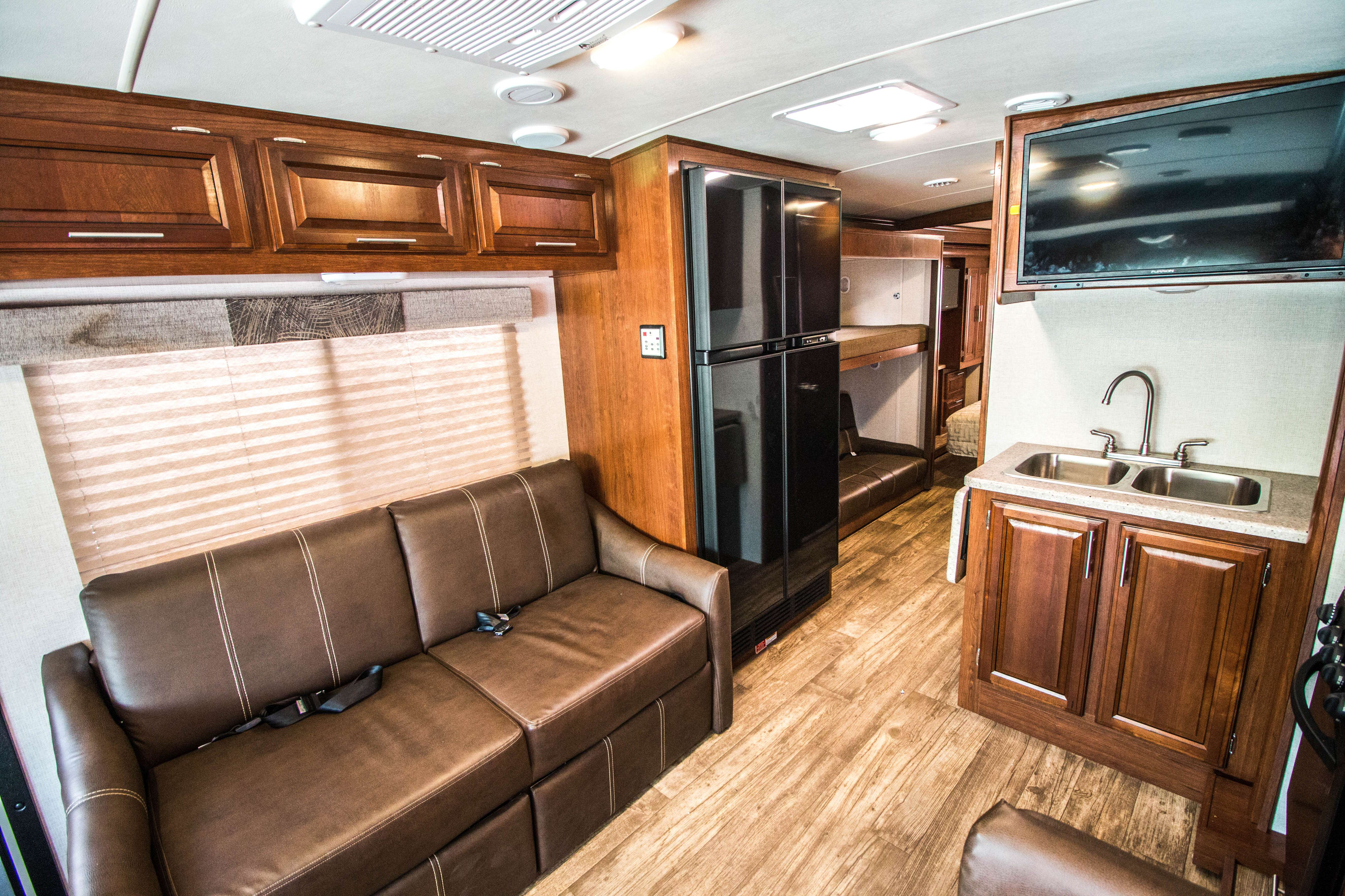 Vehicle Details Rv Motorhome And Travel Trailer Rentals