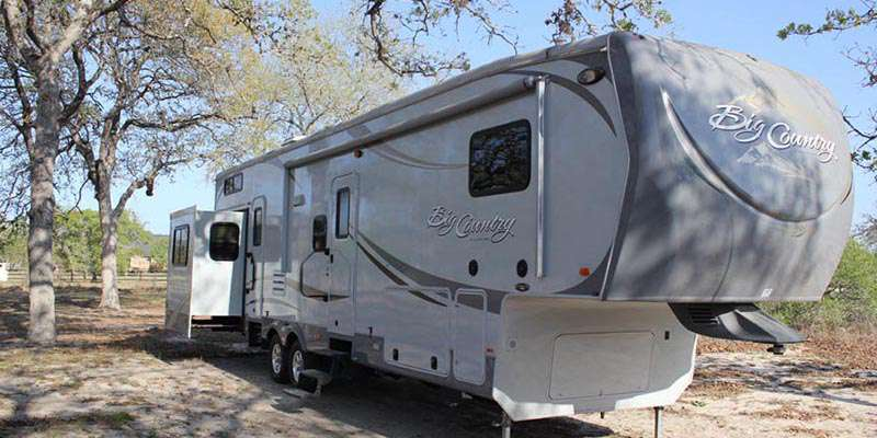 5th Wheel - 3 Slides Big Country 3550TSL