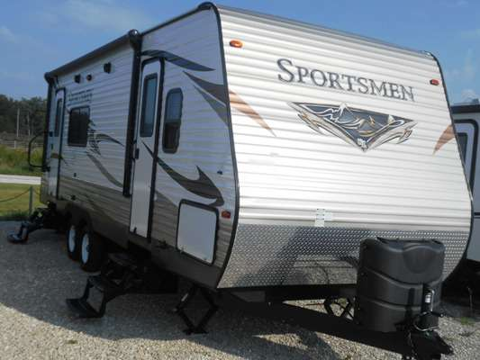 Travel Trailer - 1 Slide Out Sportsmen 262RK