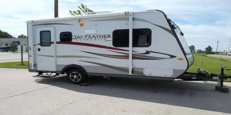 Travel Trailer - 1 Slide Out Jay Feather 26 L