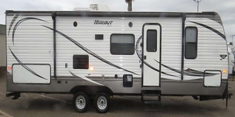 Travel Trailer - 1 Slide Out w/Bunks Hideout 27DBS