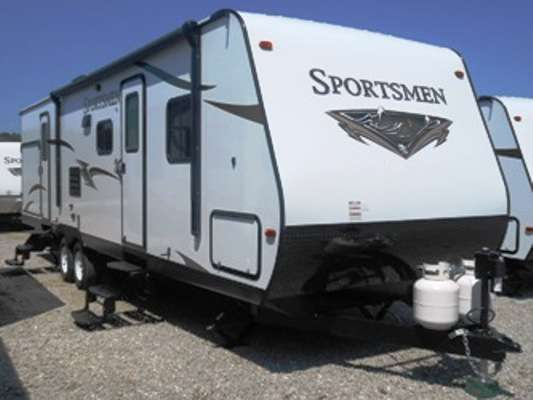 Travel Trailer 2-slide outs Sportsmen 322BHKSS w/bunks