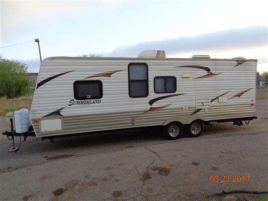 Travel Trailer - Non Slide Out Summerland 2600 TB