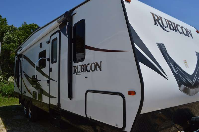 Travel Trailer - Toy Hauler - Rubicon 2900