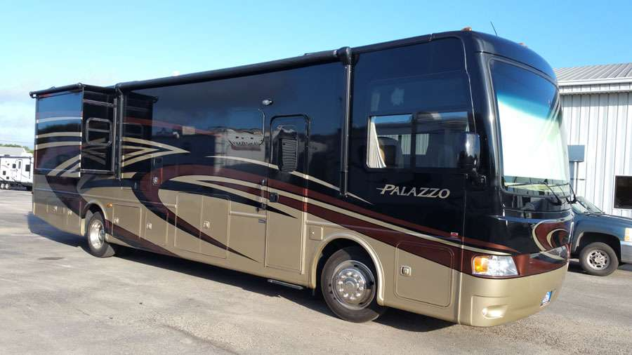 Class A - Diesel Pusher 2 Slide Outs Palazzo 36.1