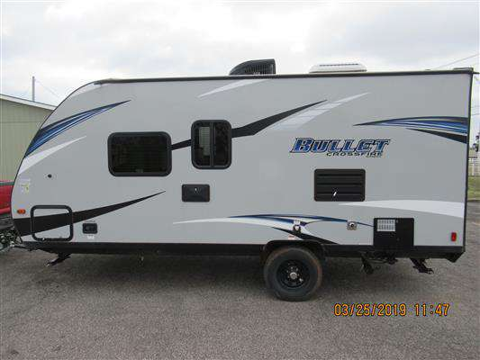 Travel Trailer Keystone Bullet Crossfire 1800RB Non Slide / Murphy Bed