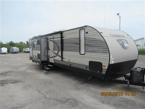 Travel Trailer - 3 slides - Cherokee 304BH