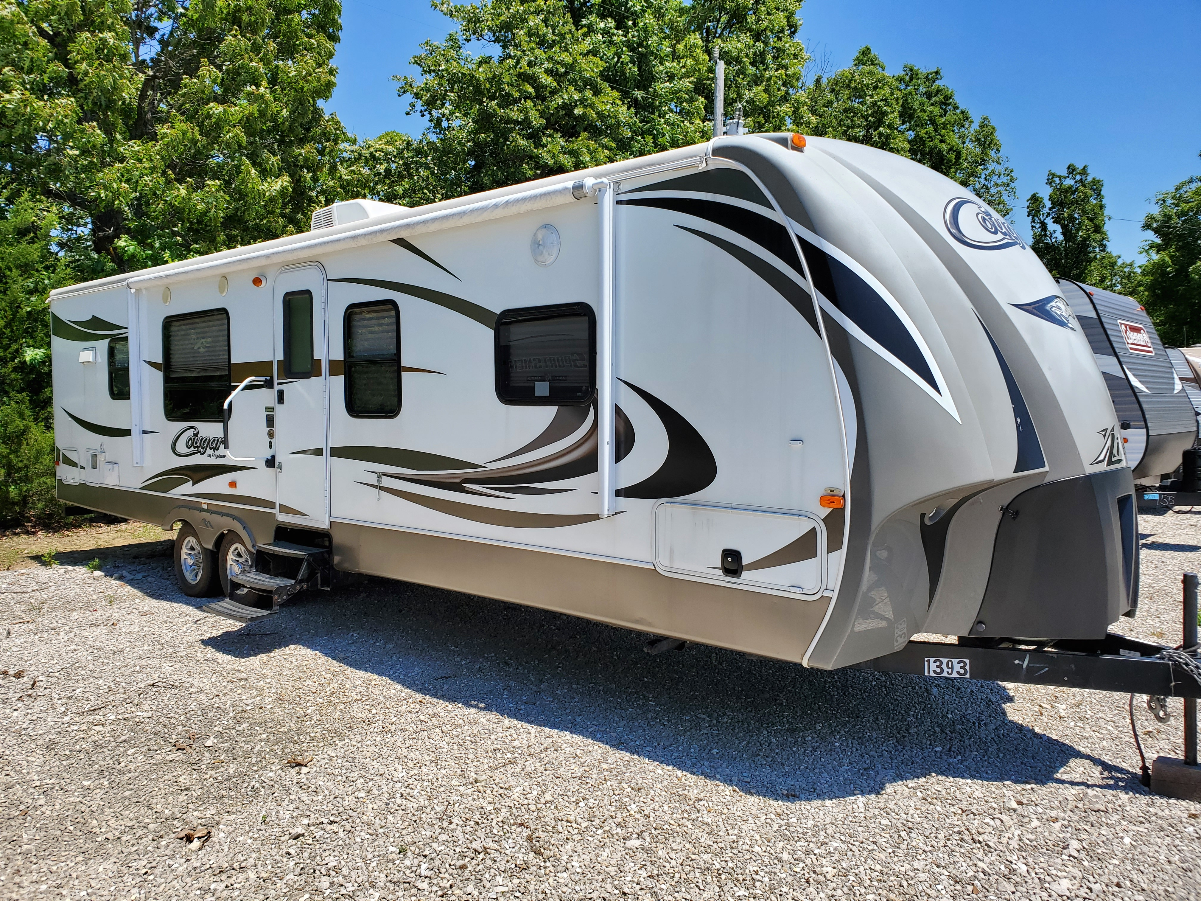 Travel Trailer - 2014 2-Slide out Cougar 31RKS