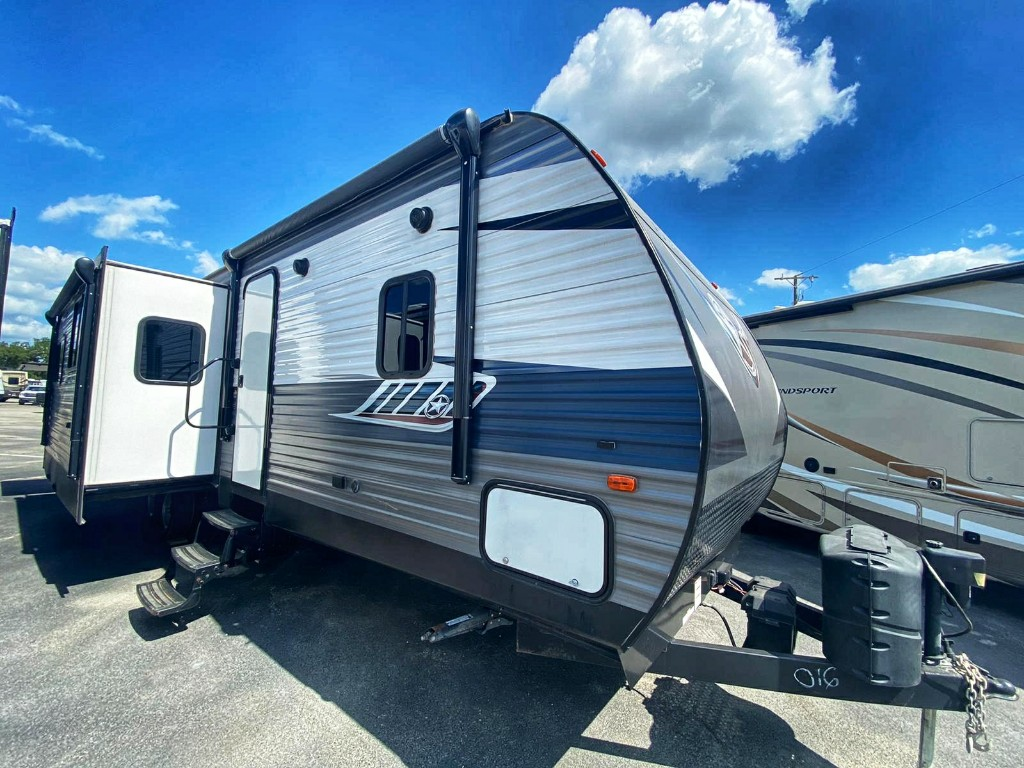 Travel Trailer - 2 Slide Out Crossroads Longhorn 333DB